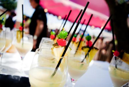 Outdoor Cocktail. outdoor ceremony Standard-Bild