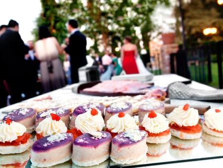 cocina al aire libre. eventos de comida y celebraciones. Partes de la compañía. Canapés. fiesta en el jardín Fondo