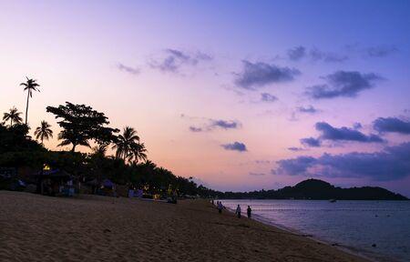 Beautiful purple sunset at tropical beach, Koh Samui Island, Thailand Stock fotó