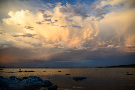 lee vining: Dramnatic clouds at mono lake in landscape orientation Stock Photo