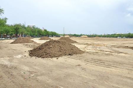 Preparazione del paesaggio per la costruzione a Sanam Luang, durante gli scavi del suolo, Bangkok, Thailand Archivio Fotografico