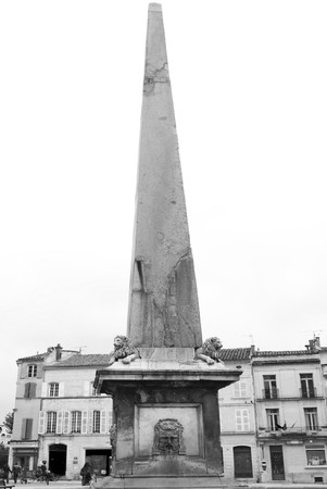 obelisk stone: Obelisk in Arles. This noble granite stone was found in 1389 in a garden of the place. It was unearthed in 1564 in the presence of Catherine de Medici and was restored and erected on the square with great ceremony in 1675.