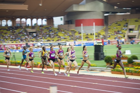 simpson: Herculis 2010 -Monaco 800 m women