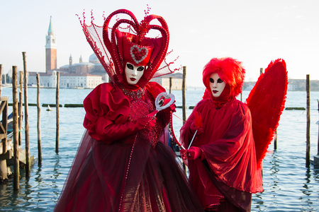 Love costume - Heart - Couple in Venetian Masks - Venice Carnival with Gondolas