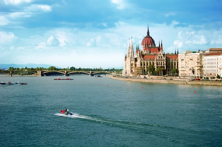 chain bridge: The Hungarian parliament in Budapest