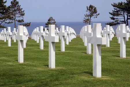 コルヴィル シュル メール、フランスのノルマンディーのアメリカの墓地。墓地はオマハ ビーチを見渡せます。
