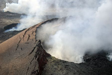 Kilauea Volcano in Hawaii Volcanoes National Park on the Big Island. Imagens
