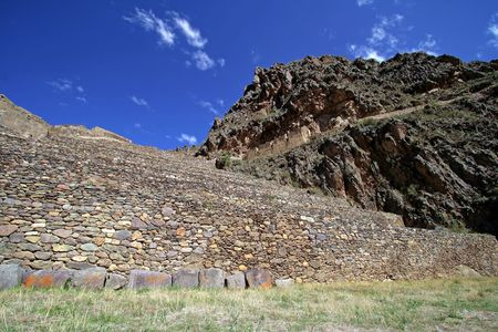 sacred valley of the incas: Incan hillside fortress at the town of Ollantaytambo in the Sacred Valley of the Incas (Peru).