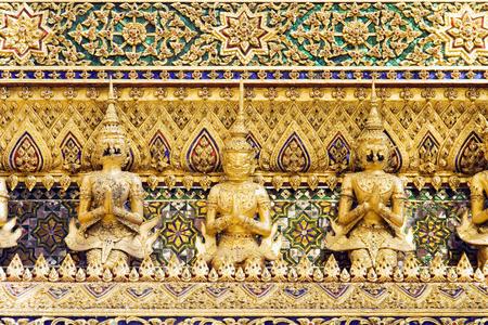 タイ、バンコクの王宮でのタイの悪魔守護像。