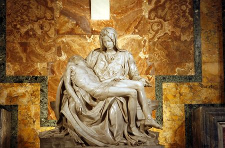 peters: Michelangelos Pieta in St. Peters Basilica in Rome. c. 1498-99