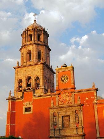 Historic Church of San Francisco in the colonial city of Queretaro, Mexico. Imagens