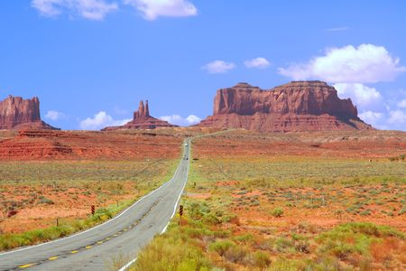Highway 163 approaching Monument Valley. Stock Photo - 3711312