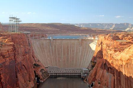 glen: Glen Canyon Dam on the Colorado River in Page, Arizona.