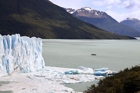 glaciares: Perito Moreno Glacier in Los Glaciares National Park located in southern Argentina.