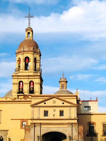 鐘楼、ケレタロ、メキシコの植民地都市、歴史的コンベント デ ラ クルス (十字架の修道院)。