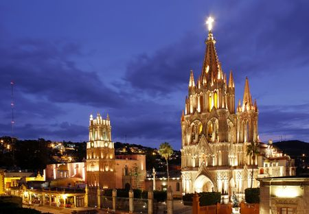 The La Parroquia and Templo de San Rafael on the main square of San Miguel de Allende in Mexico. Stock Photo