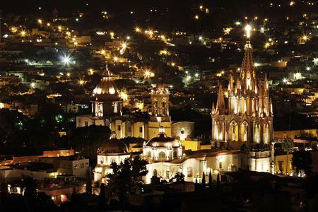 la: The La Parroquia (Church of Saint Michael the Archangel) in San Miguel de Allende in Mexico.