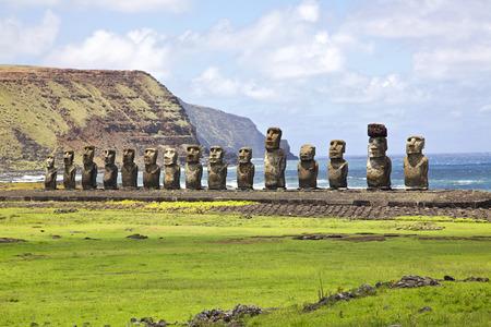 AHU Tongariki - 이스터 섬에서 가장 큰 AHU. 스톡 콘텐츠