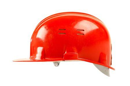 casco rojo: la belleza foto de tapa roja de seguridad, de cerca sobre fondo blanco, de un lado
