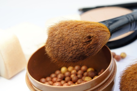 Makeup Zimmer: Make-up-Grundierung, Puder, bronzer und Bürsten
