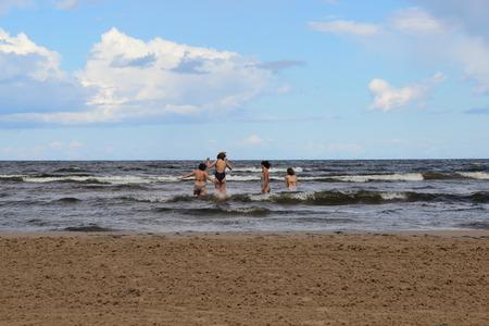 バルト海、ユールマラ、ラトビア、リガの美しいビーチ