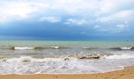 嵐の前に、の嵐の海の写真