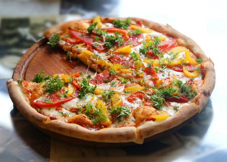 チーズとおいしいピザの写真 写真素材