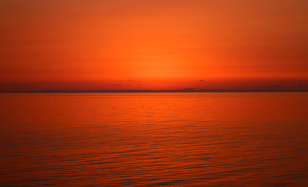 Photo bright beautiful sunset over the sea