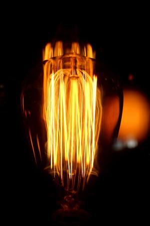 カフェで明るい珍しい備品のマクロの写真
