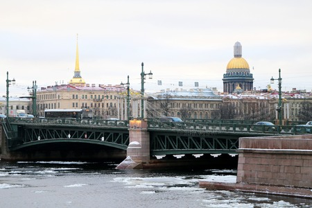 Photo of a beautiful city skyline with the river in the winter Archivio Fotografico - 102236264