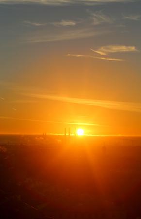 Beautiful photo of top view of St. Petersburg autumn bright sunset Standard-Bild - 110370288