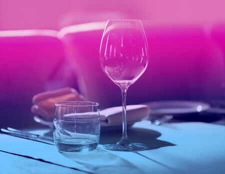 Lovely photo of glass glasses serving for lunch on a Sunny day in a restaurant Stockfoto - 133298000