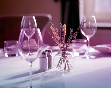 Lovely photo of glass glasses serving for lunch on a Sunny day in a restaurant Stockfoto