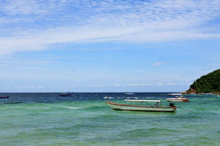boat on sea in Koh Larn, Thailand Stock Photo - 15848424