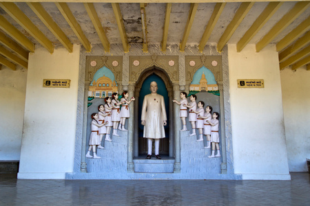 JANUARY 30, 2014, PORBANDAR, GUJARAT - Children and Jawaharlal Nehru, sculpture composition in Nehru Planetarium Editorial