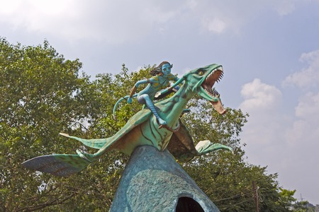 popular science: INDIA - Sculpture of Neytiri riding ikran Seze, character of the popular science fiction movie Avatar in Avatar Park Stock Photo