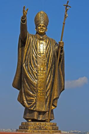 thomas: JAN 29, 2014, ST. THOMAS MOUNTAIN, CHENNAI, TAMIL NADU, INDIA - Sculpture of Pope John Paul II on the top of st. Thomas mountain