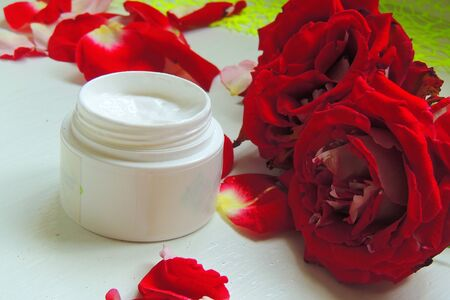 nourishing: facial cream with fresh flowers, fresh as flowers