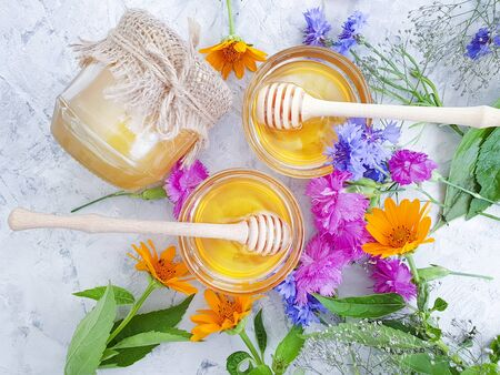 fresh honey flower calendula, cornflower 版權商用圖片