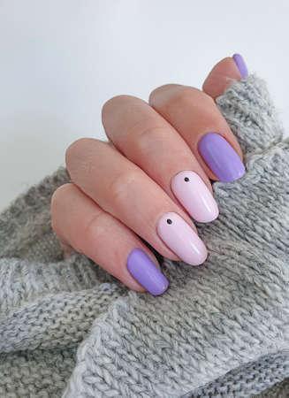 female hand beautiful stylish manicure sweater Zdjęcie Seryjne - 152215276