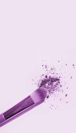 makeup brush on white background Reklamní fotografie