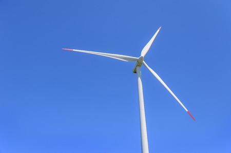 The blades of the wind motor against the sky. Close-up. Banco de Imagens