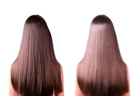긴 직선 갈색 머리를 가진 여자입니다. 후면보기입니다. 머리 교정, 전후. 하나의 사진에있는 두 개의 이미지. 흰색 배경에 고립. 스톡 콘텐츠