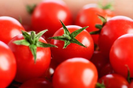 many cherry tomatoes horizontal