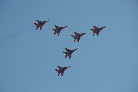 Aviation group Swifts on the MiG-29 demonstrates aerobatics at an Airshow