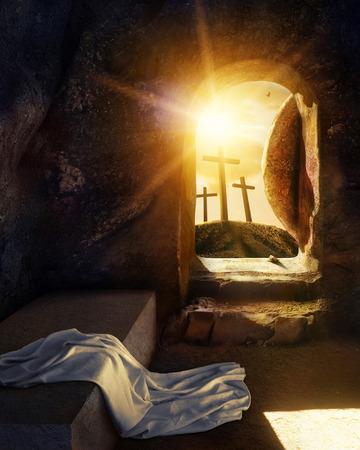 Tumba vacía con sudario. Crucifixión al amanecer. Ilustración.