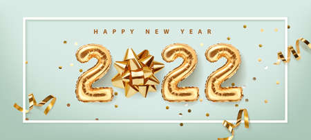2022 golden decoration holiday on blue background. Gold foil balloons numeral 2022 with realistic festive objects,, glitter gold confetti and serpentine. Shiny party background. Horizontal banner. Happy new year 2022 holiday. Realistic 3d vector illustration. Vectores