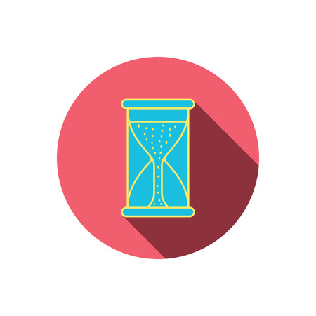 começando: Hourglass icon. Sand time starting sign. Red flat circle button. Linear icon with shadow. Vector Ilustração
