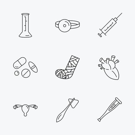 ovario: Jeringa, cubiletes y píldoras iconos. Muleta, martillo médica y espejo signos lineales. Corazón, fractura en la pierna y los iconos de ovario útero. Iconos negros lineales sobre fondo blanco.