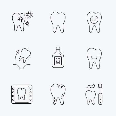 paradontosis: Tooth, dental crown and mouthwash icons. Caries, tooth extraction and hygiene linear signs. Brushing teeth flat line icon. Linear black icons on white background.